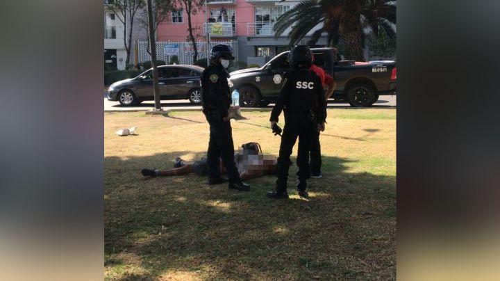 Sujeto es herido con arma blanca por desconocidos en varias ocasiones en CDMX