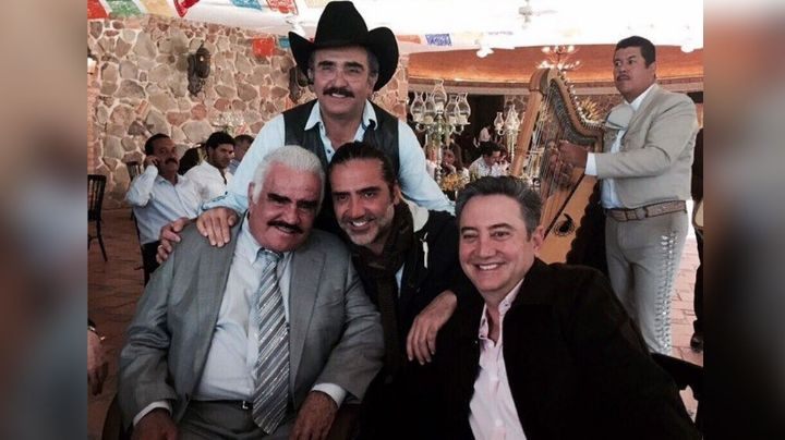 Foto de antaño: Vicente Fernández, 'El Potrillo' y Vicente Jr. engalanan Instagram
