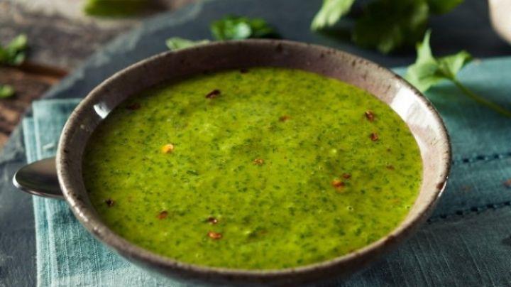 ¡Delicioso! Este aderezo de cilantro y chile jalapeño será una explosión en tu paladar
