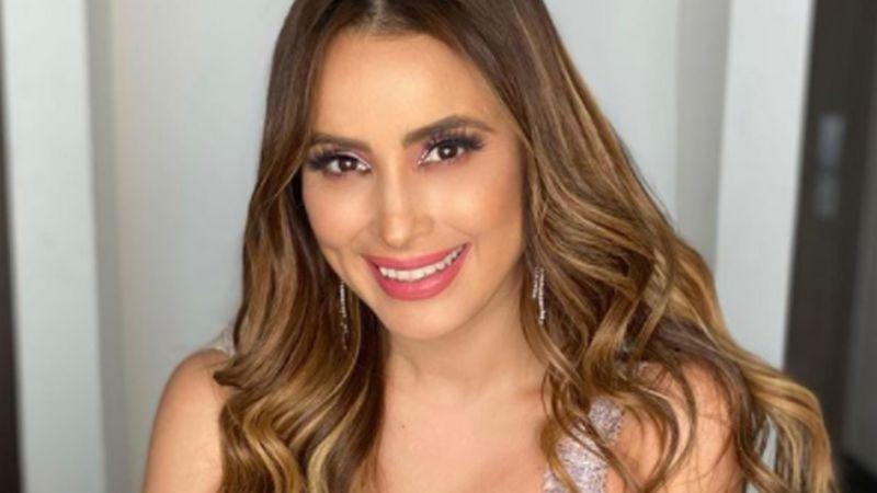 Con coqueto vestido amarillo, Cynthia Rodríguez sorprende a todo TV Azteca desde 'VLA'