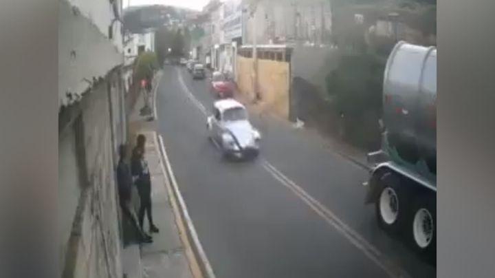 VIDEO: El impactante momento en el que un niño muere al ser atropellado; el responsable huyó