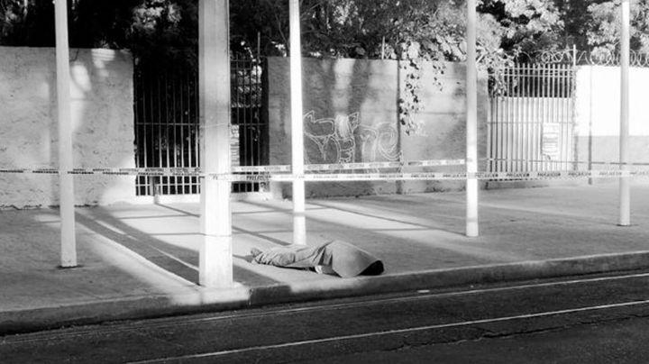 Sujeto sin vida en la banqueta desata fuerte movilización en Ciudad de México