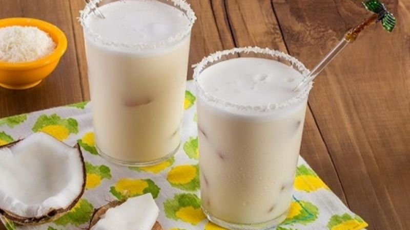 ¡Bébela todos los días! Esta agua de coco te robará el aliento a cada trago