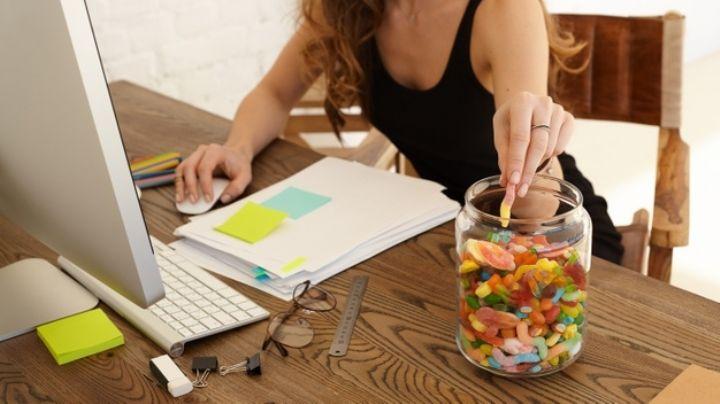 ¿Subiste de peso por el 'home office'? Estos consejos te ayudarán comer saludable