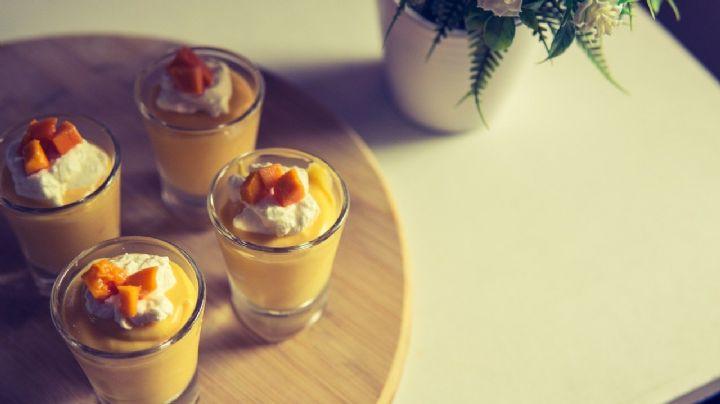 Disfruta la temporada de mango con este increíble y cremoso mousse