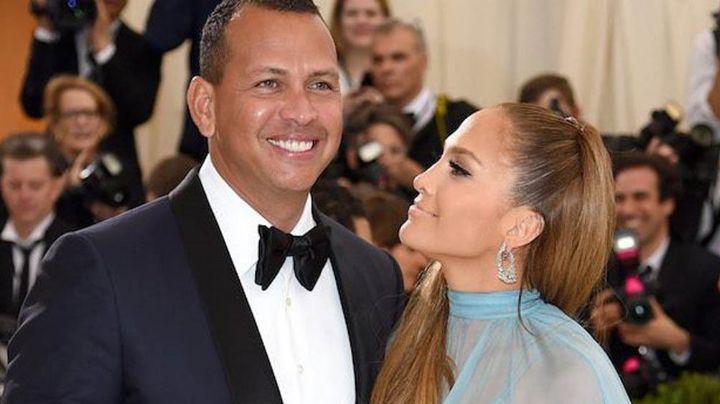 ¡Qué romántico! Jennifer López y Alex Rodríguez celebran el día del amor en grande