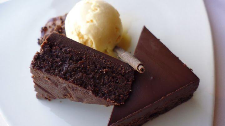 ¡Simplemente delicioso! Este pay de chocolate sin horno iluminará tu día