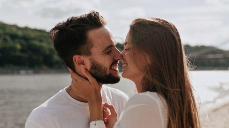 Aclara todas tus dudas del amor:¿Quiénes son más felices, los solteros o los casados?