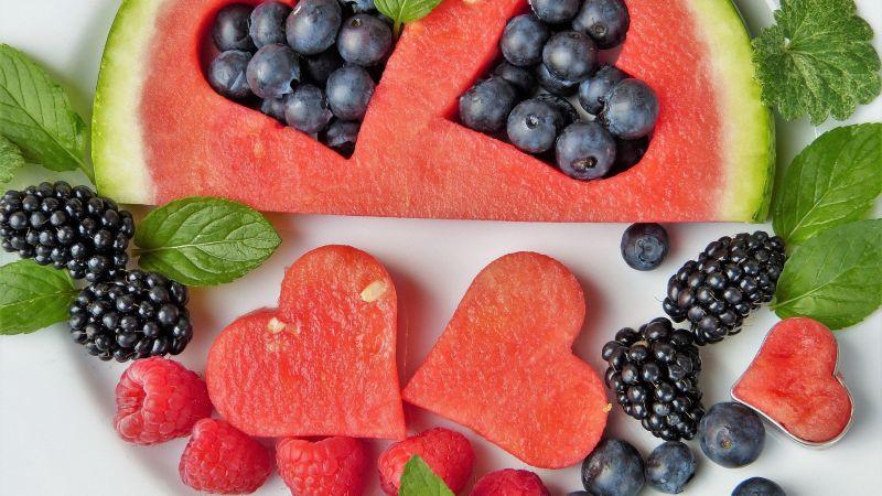 ¿Quieres bajar tu consumo de carbohidratos? Estas son las frutas que debes comer