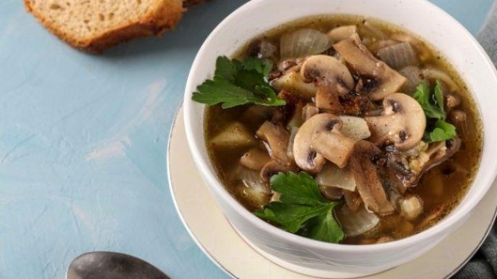 No dejes de consumir proteína en esta Cuaresma al preparar esta rica sopa de champiñones