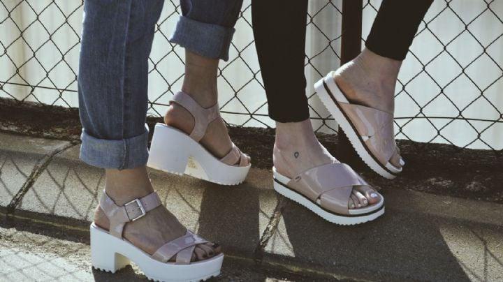 Refréscate esta temporada de calor con alguno de estos 'outfits' con sandalias