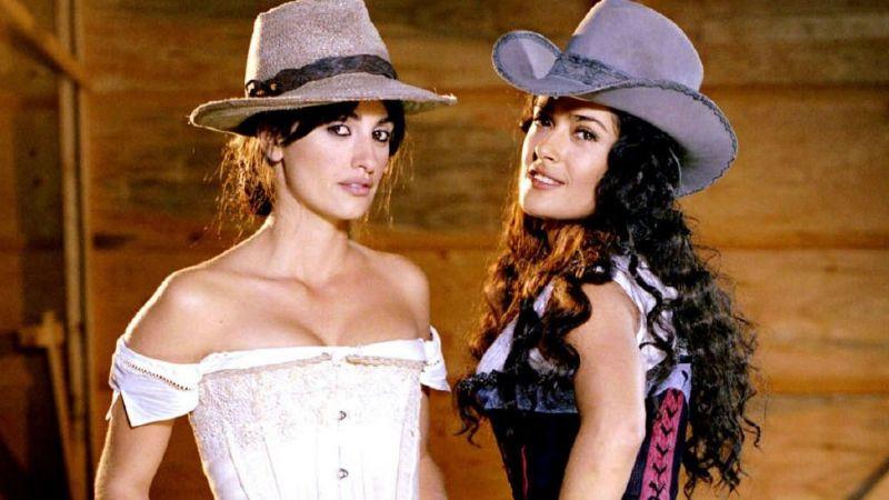 ¡Duelo de reinas! Salma Hayek revela unión con Penélope Cruz para combatir el Covid-19