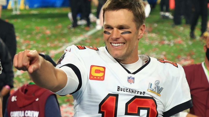 El incansable Tom Brady va por más: Firmó por un año más con los Bucaneros