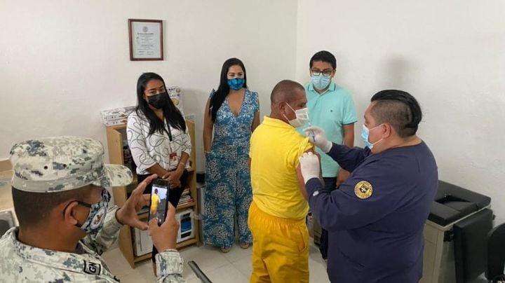 Reos seguros: Cereso de Cozumel es el primero en iniciar vacunación contra Covid-19