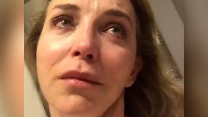 """Laura Flores, actriz de Televisa, confiesa su mayor arrepentimiento: """"Me dolió en el alma"""""""