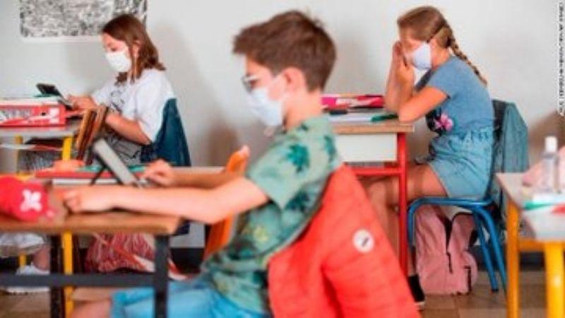 Vacuna contra Covid-19 de Moderna comienza a aplicarse en niños de EU; es fase prueba