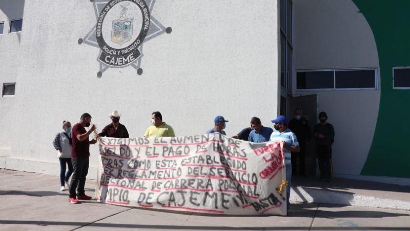 """""""Exigimos nuestros derechos laborales"""": Policías de Cajeme se manifiestan otra vez en menos de un mes"""
