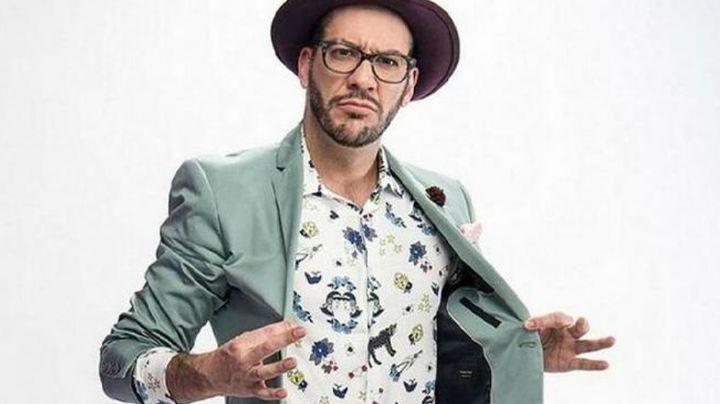 De Televisa a empresario: Conductor de 'MCDR' lanza línea de ropa con imagen de 'Cantinflas'