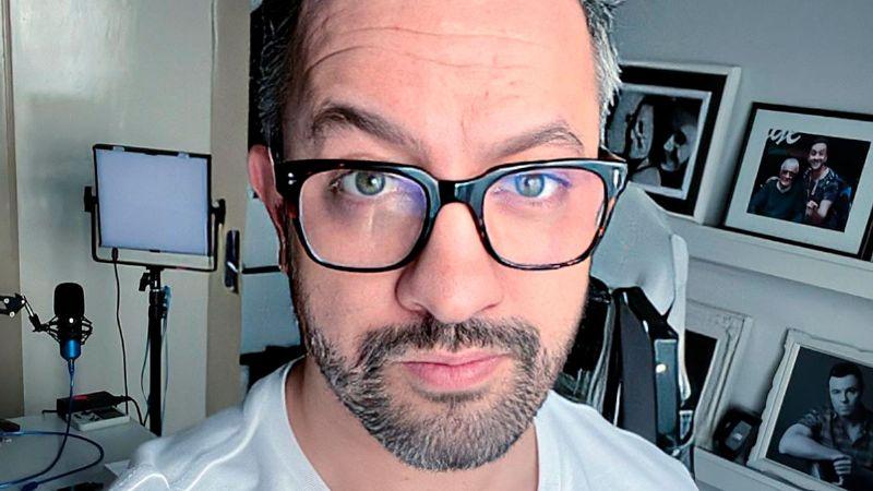 """Chumel Torres explota por los ataques en su contra: """"Perdón por tener pen... en Twitter"""""""
