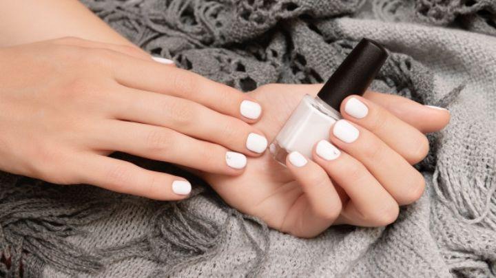 ¿Tienes un evento importante? Luce espectacular con estos diseños de uñas en blanco