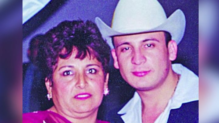 Tras perder a su hijo y esposo, así luce la mamá de Valentín Elizalde 'Gallo de Oro'