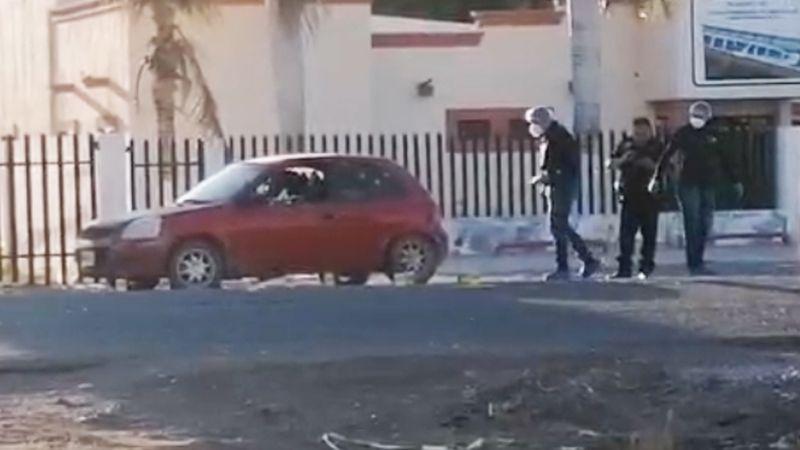 Doble ejecución: Rafaguean auto a las afueras de Ciudad Obregón y asesinan a sus tripulantes
