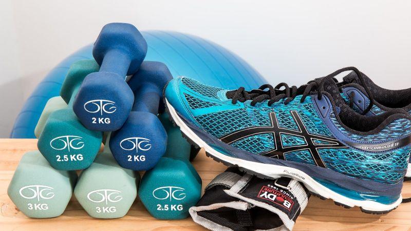 ¡No te excedas! Descubre cuántas horas de ejercicio son adecuadas según tu edad