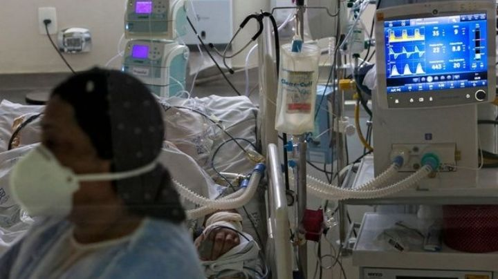VIDEO: Por miedo a ser intubado, paciente con coronavirus escapa del hospital