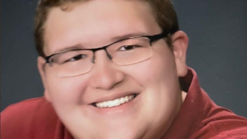 """Joven estadounidense pierde la vida tras asistir a fiesta de fraternidad donde sería su """"revelación"""""""