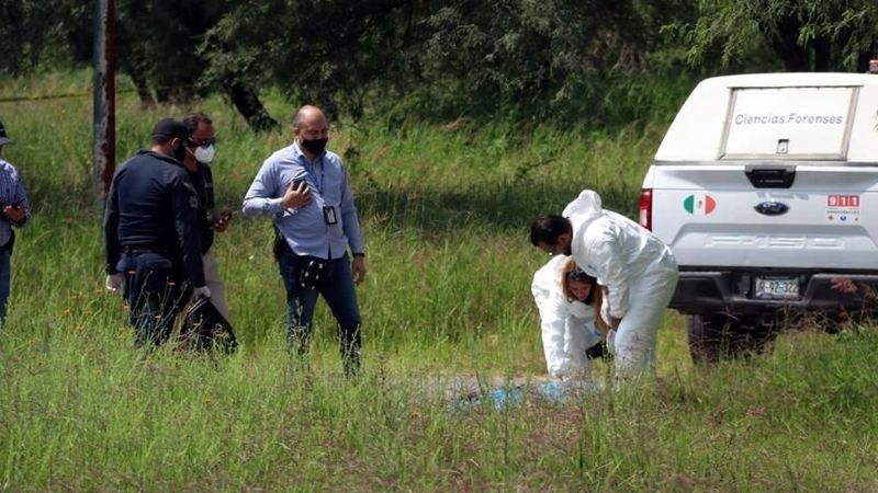 Jalisco: Pobladores hallan cuerpo totalmente calcinado en camino de terracería