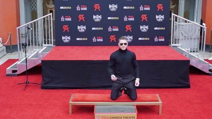 ¡'Canelo' es toda una celebridad! Plasma sus huellas en el Teatro Chino en Hollywood