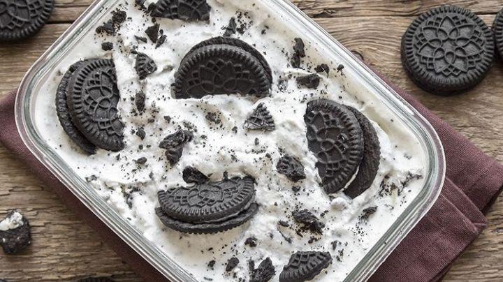 ¡De no creerse! Prepara este helado de Cookies & Cream con tan solo 4 ingredientes