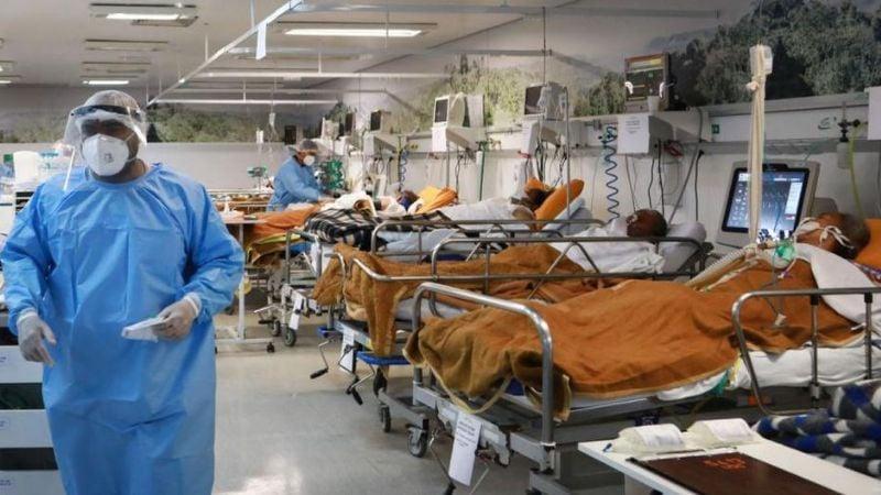 ¡Hospitales se saturan de jóvenes! Variante brasileña de Covid-19 afecta más a los de menor edad