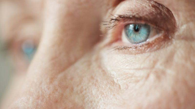 ¡Evítalos! Estos son los 5 alimentos que te harán envejecer más rápido