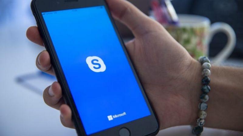 ¿'Home office'? Médium asegura que puede hablar con fantasmas en otras casas con Skype