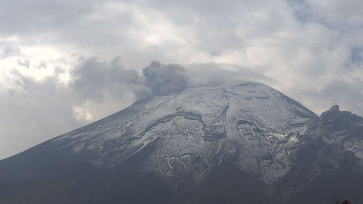 Volcán Popocatépetl sigue con constantes exhalaciones; acumula 74 este domingo