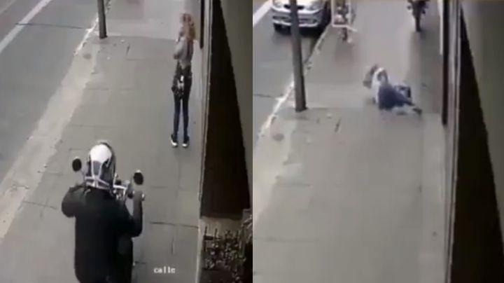 VIDEO: Mujer muere de paro cardíaco luego de ser víctima de un asalto afuera de su casa
