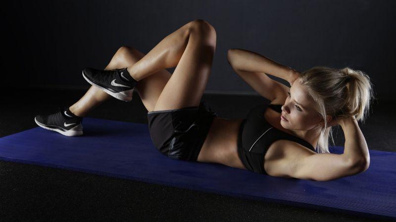 ¿Te lesionaste la rodilla? Estos ejercicios te ayudarán a rehabilitarla fácilmente