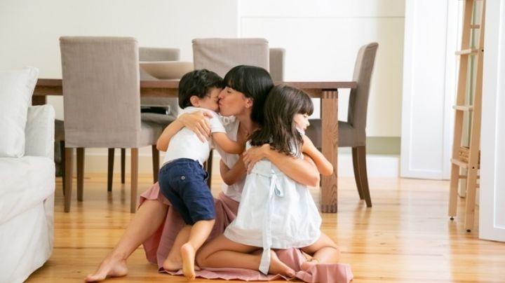 ¡Muestra tu cariño! Esta es la importancia de darle abrazos a tus hijos