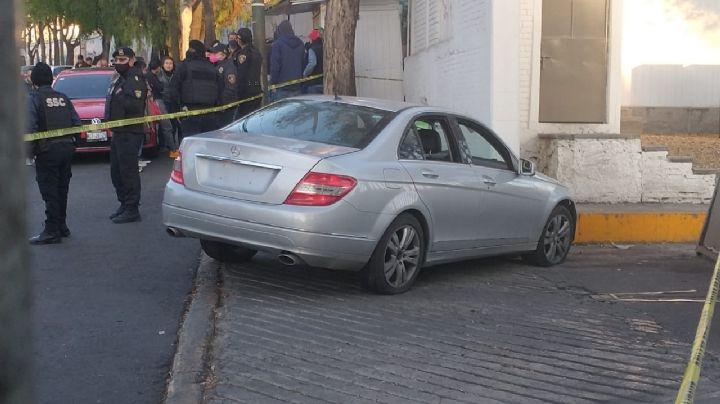 Tras arrollar a varios elementos de seguridad durante una balacera, hombre pierde la vida en CDMX