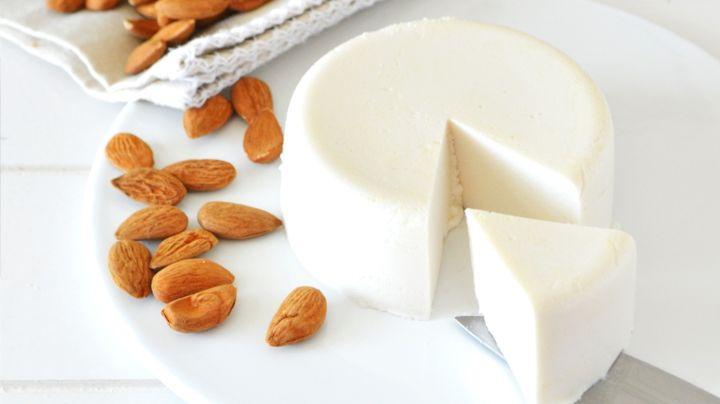 ¿Antojo de queso saludable? Esta alternativa 'fitness' de almendra te encantará