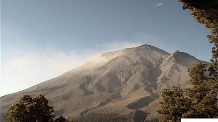 Volcán Popocatépetl sigue en alerta amarilla fase 2; acumula 44 exhalaciones este miércoles