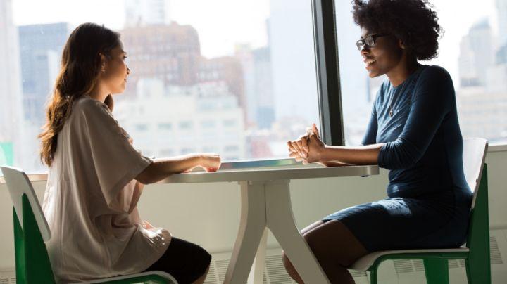 Estos 5 consejos de lenguaje corporal te servirán para triunfar en tu entrevista de trabajo