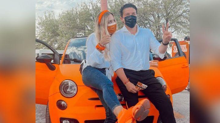 Mariana Rodríguez y Samuel García reviven polémica con su peculiar carro 'fosfo,fosfo'