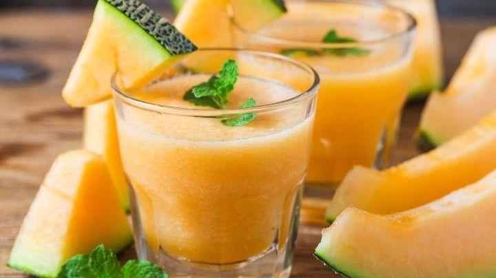 Disfruta los beneficios de la avena en una sabrosa agua con el dulce sabor del melón