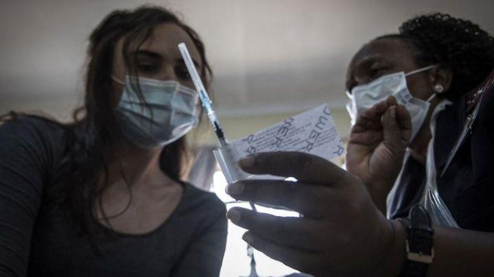 Por falta de vacunas contra coronavirus en África, autoridades vaticinan una 'guerra'