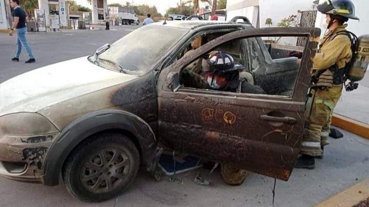 VIDEO: Hombre usa su celular en la gasolinera y provoca una tragedia; esto fue lo que sucedió