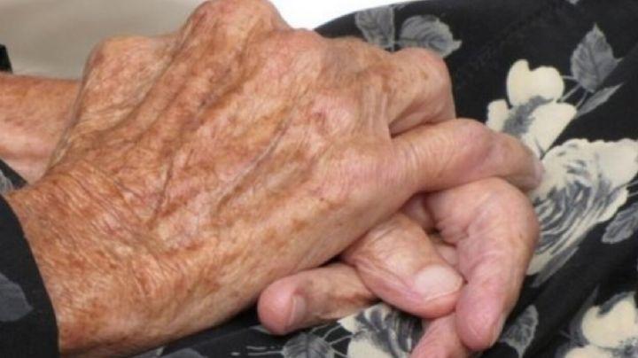 ¡Indignante! Hallan a Dolores, anciana de 86 años, abandonada en azotea; detienen a su sobrino