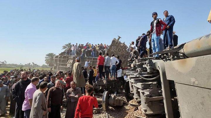 Fatal accidente: Choque de trenes provoca descarrilamiento y deja un saldo de 32 muertos