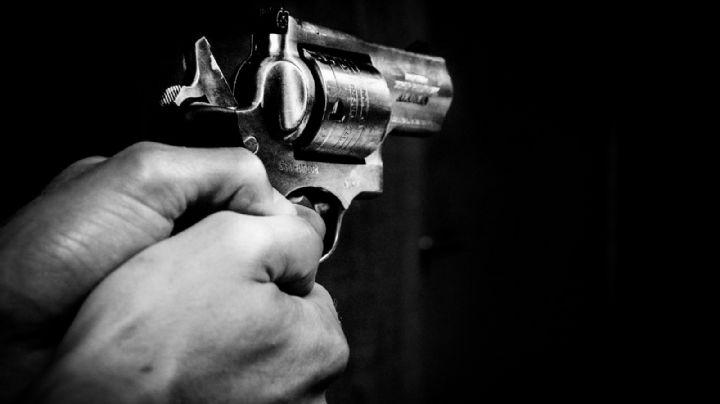 FUERTES IMÁGENES: Un hombre es herido por una bala que entró por su ventana